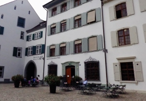 Museum and bistro in  the Munsterplatz