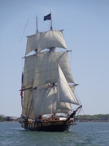 Niagara sails into Toronto Harbour