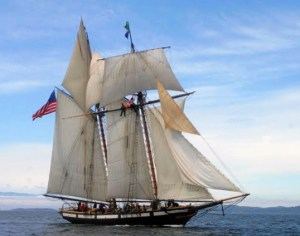 Privateer Lynx under full sail on her way to Toronto