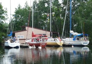 HCYC's floating clubhouse welcomes sailors from other clubs